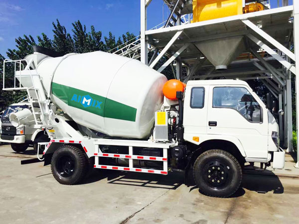6m3 mobile concrete mixer truck
